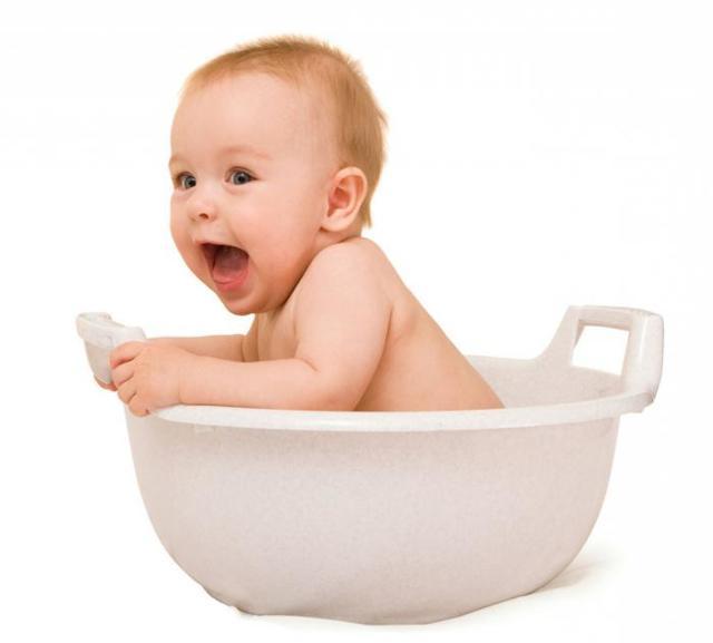 Правила ухода за новорожденным дома в первые дни жизни