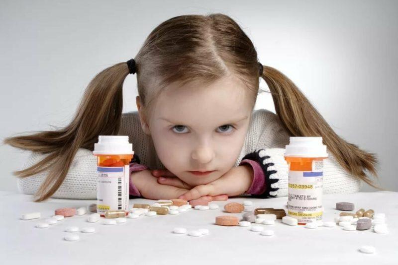 Как напоить ребенка горьким лекарством