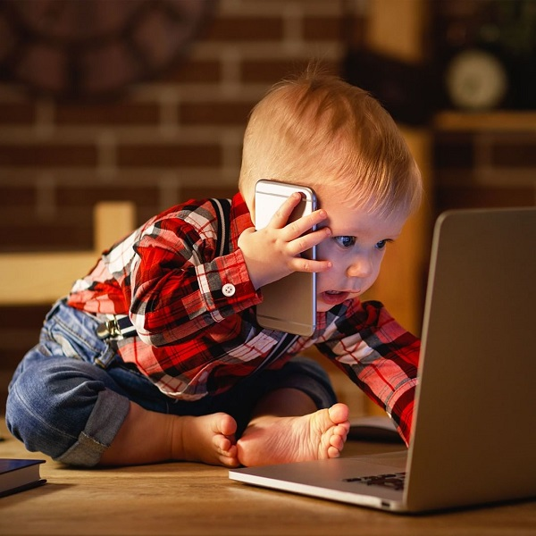 Ребенок и гаджеты: влияние на психику в разном возрасте - mobcompany.info