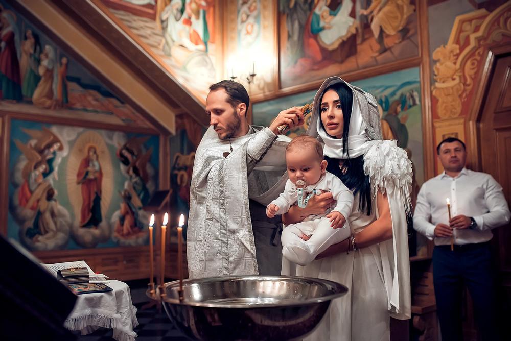 Крестины девочки: правила и приметы, обязанности крестных