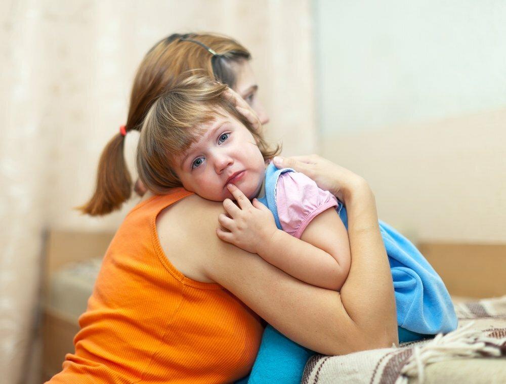 Как успокоить ребенка − можно ли прекратить истерику и не потерять свой авторитет?