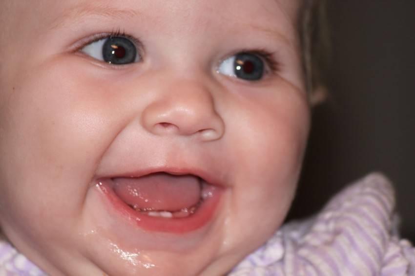 Температура при прорезывании зубов у детей до года и старше