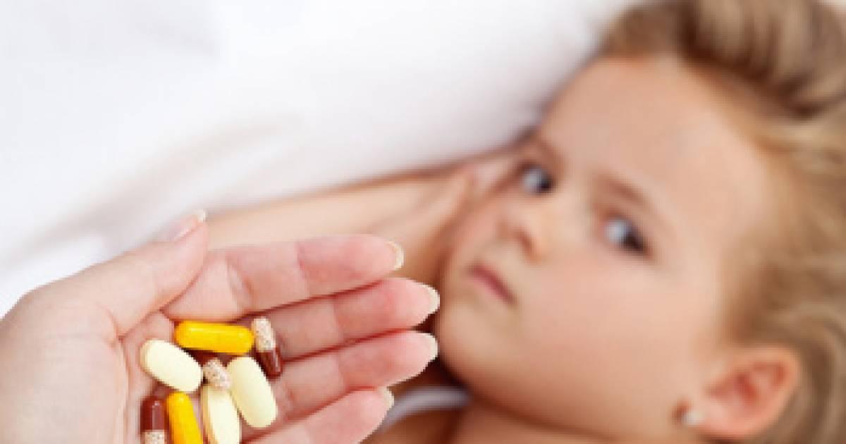 Как напоить ребенка горьким лекарством - мама