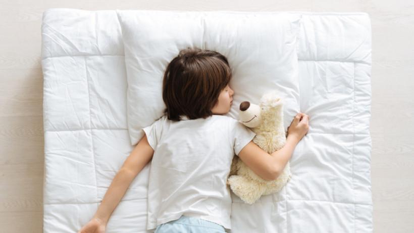 Как утром поднять ребенка с кровати без сопротивлений