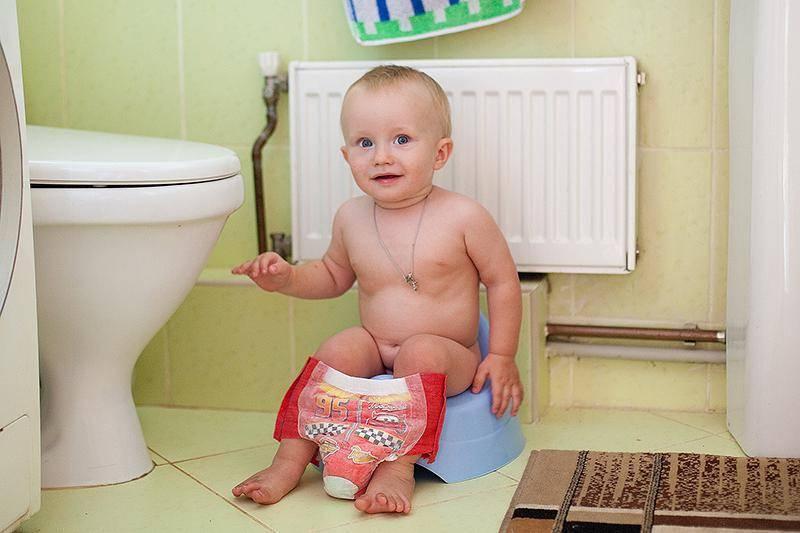 Ребенок боится ходить в туалет по-большому: причины и способы решения проблемы
